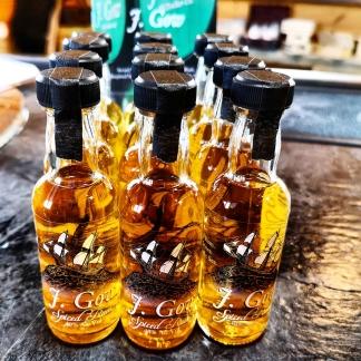 j gow scottish spiced rum 5 cl miniatures