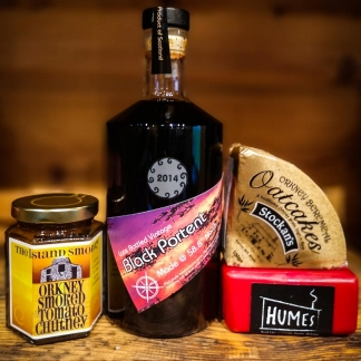 orkney wine co port and cheese gift set hamper